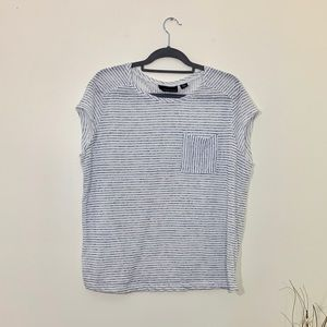 Attention blue and white striped tee